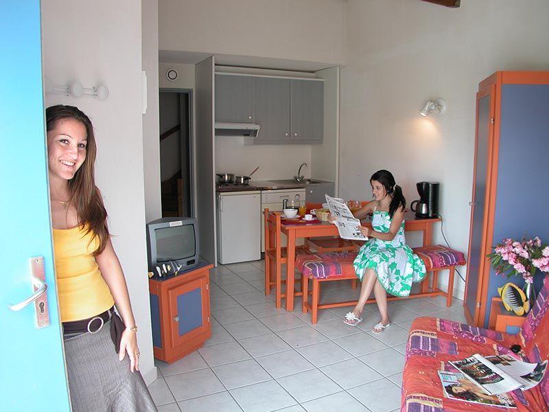 residence les jardins de neptune location occitanie avec voyages auchan. Black Bedroom Furniture Sets. Home Design Ideas