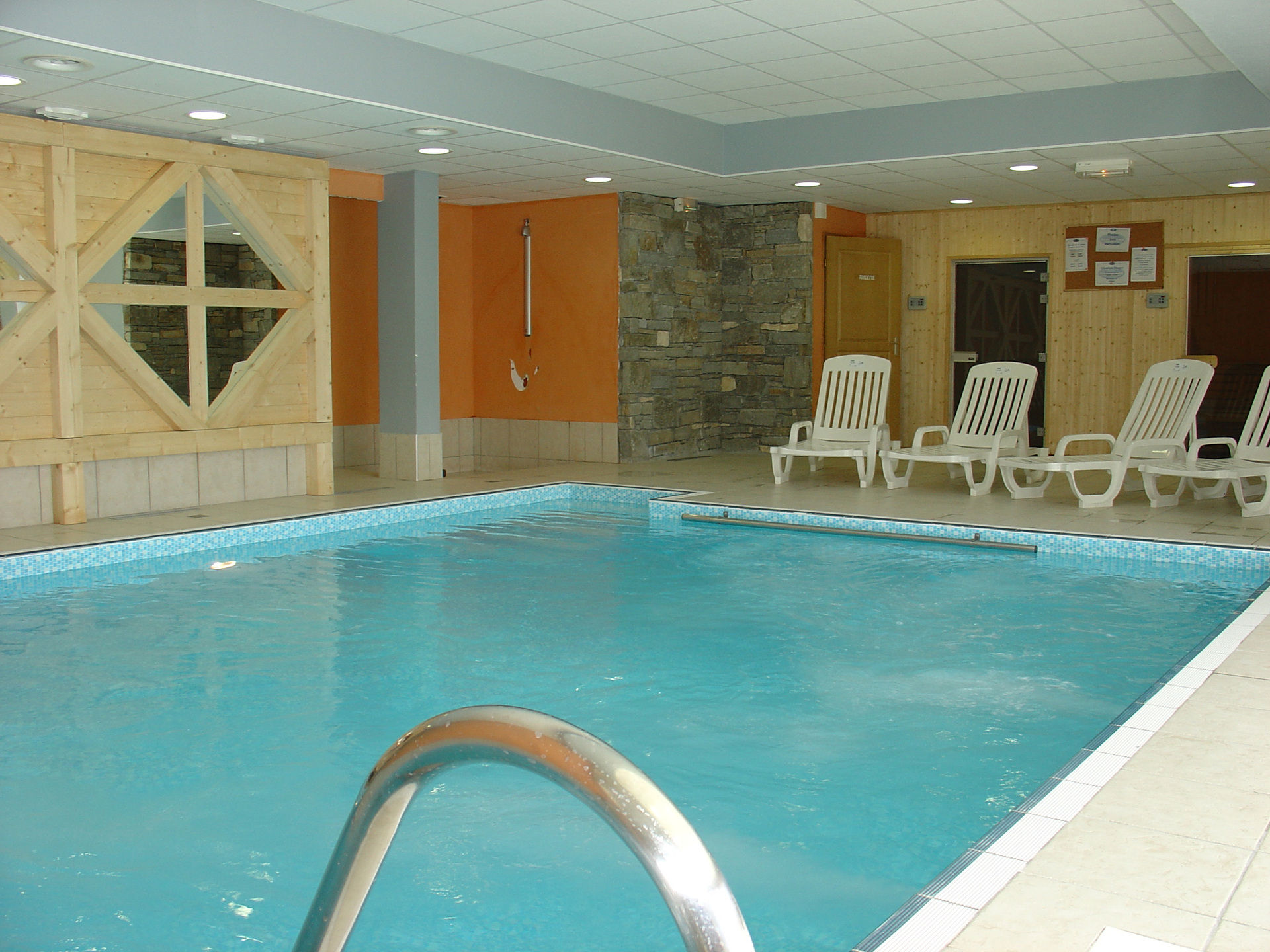 Residence les valmonts location auvergne rhone alpes avec - Location auvergne piscine ...